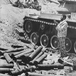 Daily Life at the Iran-Iraq War Fronts (11)