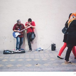 Street Singers and the Passers-by (3)