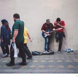 Street Singers and the Passers-by (9)